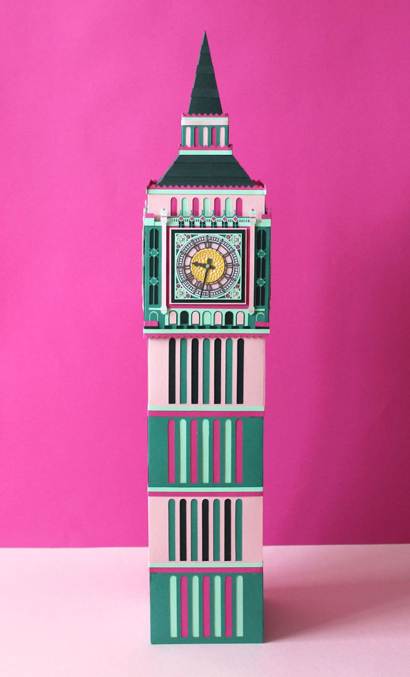 Incredible-London-landmarks-made-in-paper-by-members-of-the-Paper-Artist-Collective-59f03dc83aed4__880